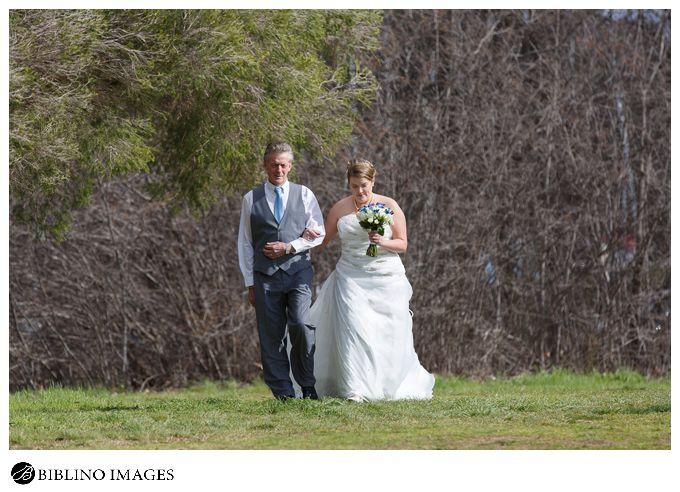 Bride walks down the isle
